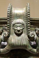 Chatillon-sur-Seine_-_Musée_du_Pays_chatillonnais_-_Cratère_de_Vix_-_12